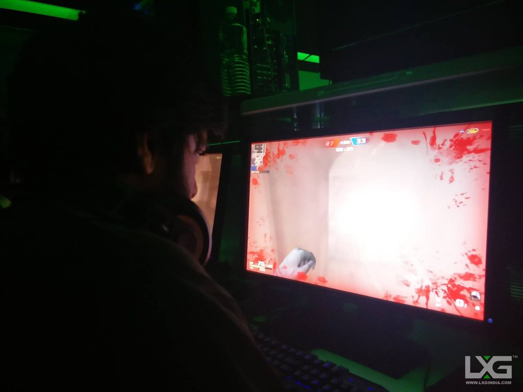 in-house gamer playing piercing blow at lxgindia bangalore